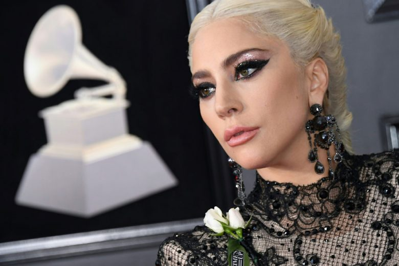 Copia il trucco glitter di Lady Gaga ai Grammy Awards