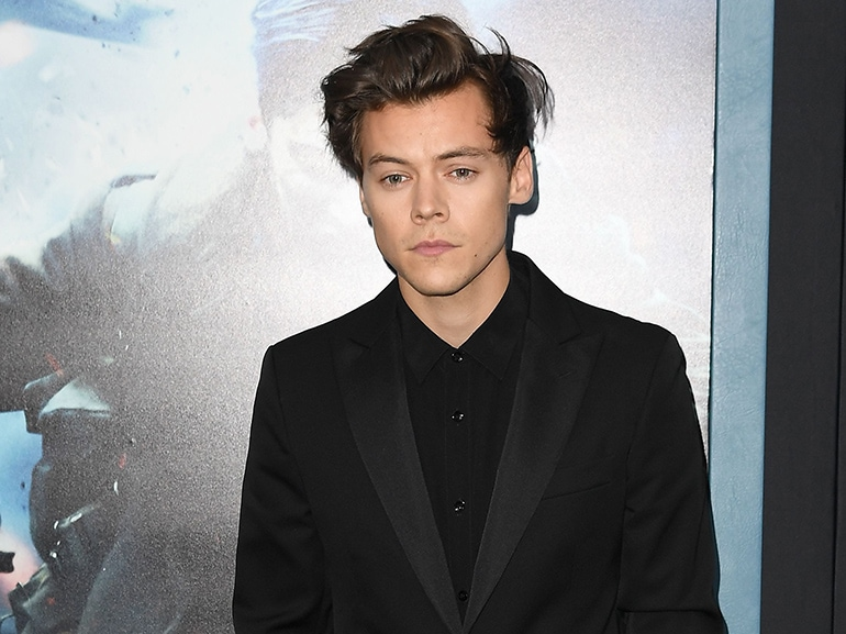 cover harry styles prossimo james bond mobile