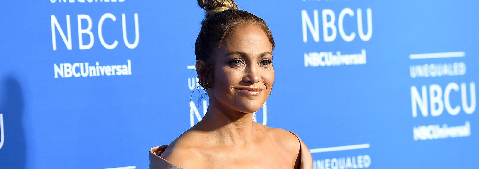 cover jennifer lopez cameo will grace desktop