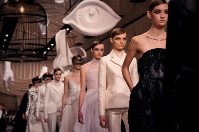 Dior: il sogno surrealista e ipnotico della Haute Couture
