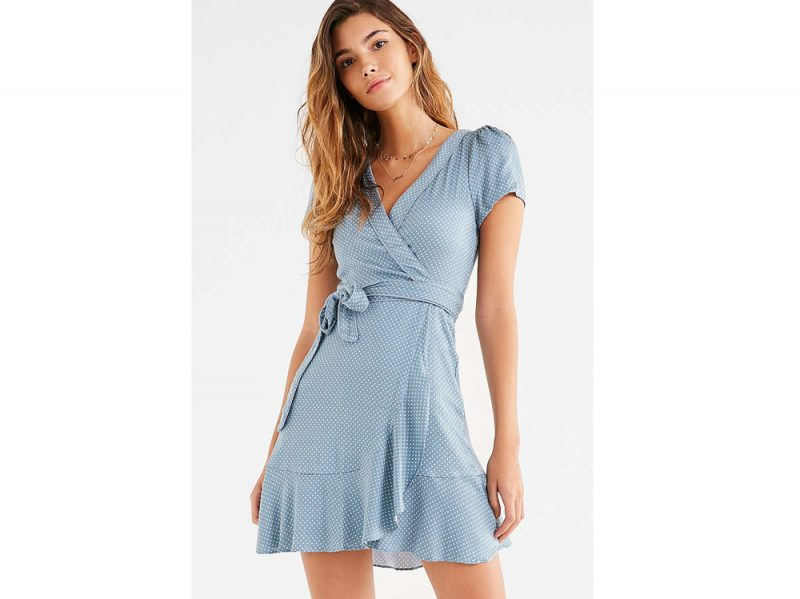 wrap-dress-urban-oufitters