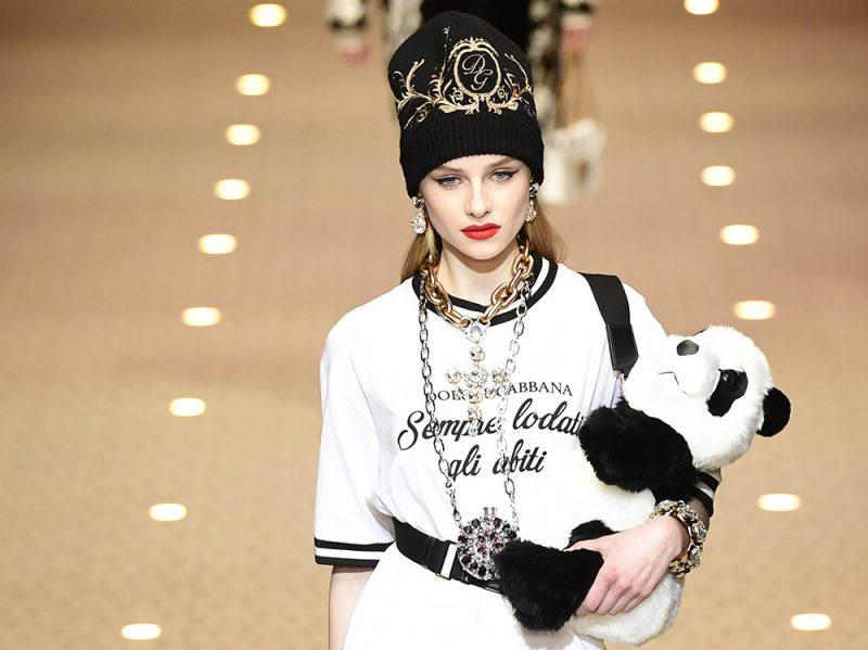 I droni sfilano sulla passerella di Dolce e Gabbana alla Fashion Week