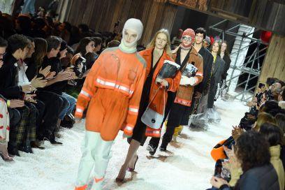 La sfilata di Calvin Klein tra eroi nazionali e pop corn