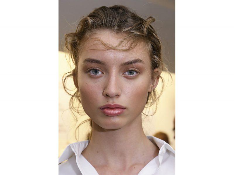 acconciature sfilate primavera estate 2018 capelli raccolti (2)