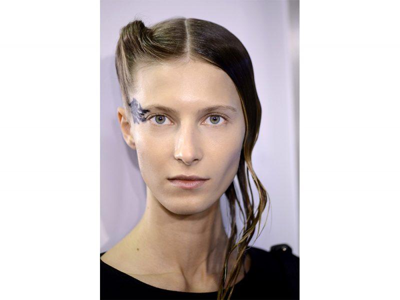acconciature sfilate primavera estate 2018 capelli semi raccolti (1)