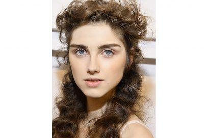 acconciature sfilate primavera estate 2018 capelli semi raccolti (4)