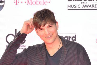 Ashton Kutcher: «Dopo il divorzio da Demi Moore ho scritto a tutte le mie ex»