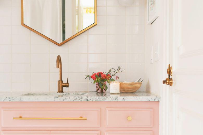 10 idee originali per migliorare il bagno di una casa in affitto