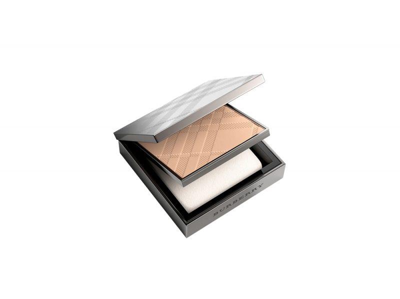 fondotinta-compatto-in-polvere-burberry-fresh-glow-compact