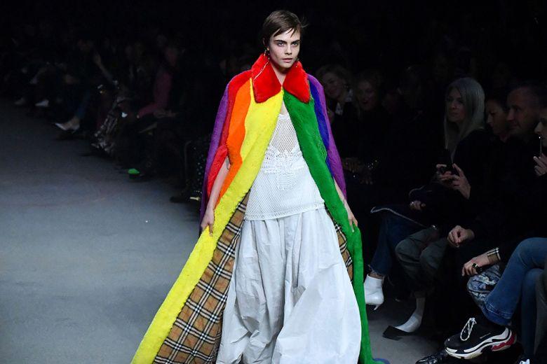 L'arcobaleno check di Burberry