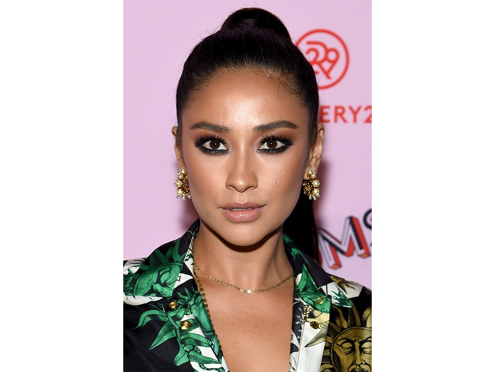 shay mitchell beauty look (7)