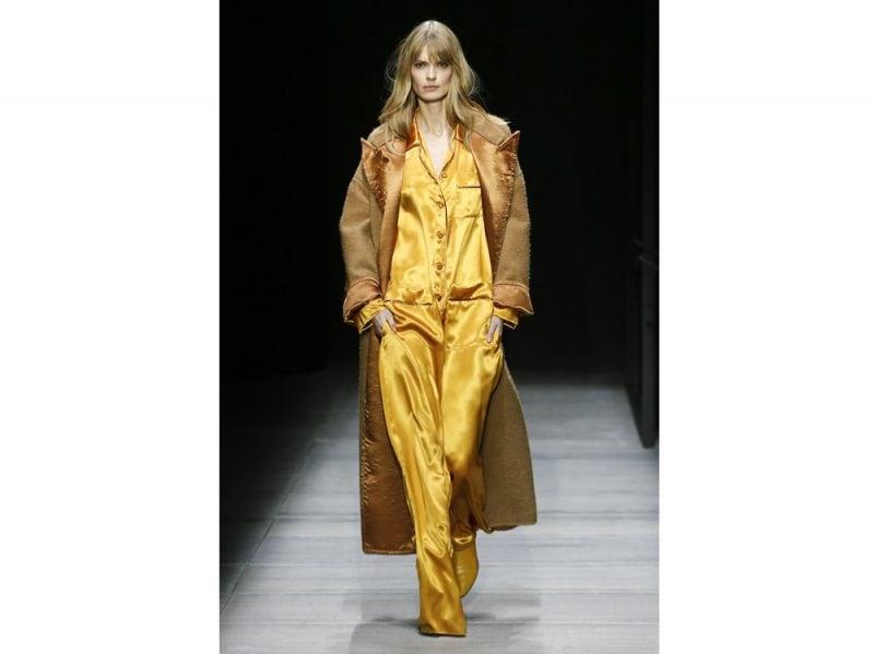 Cappotti e giacche  i trend per l autunno-inverno 2018 dalle sfilate 3f20608bd17