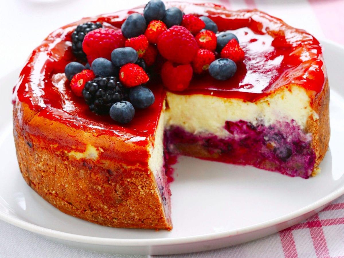 Cheesecake ricotta e mascarpone con frutti di bosco