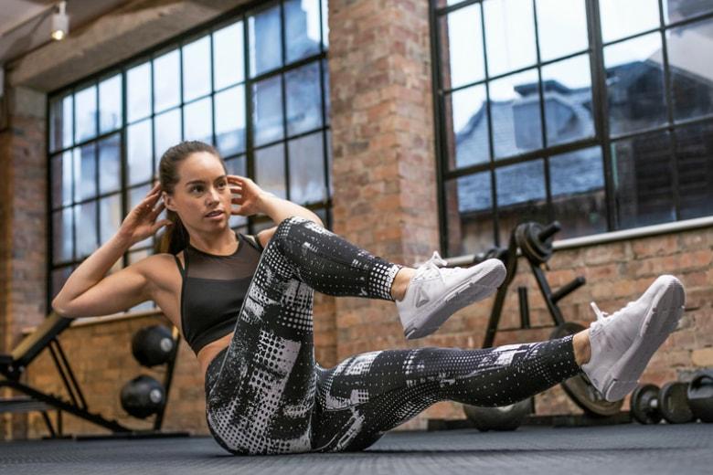 Missione pancia piatta: gli esercizi per riuscirci davvero
