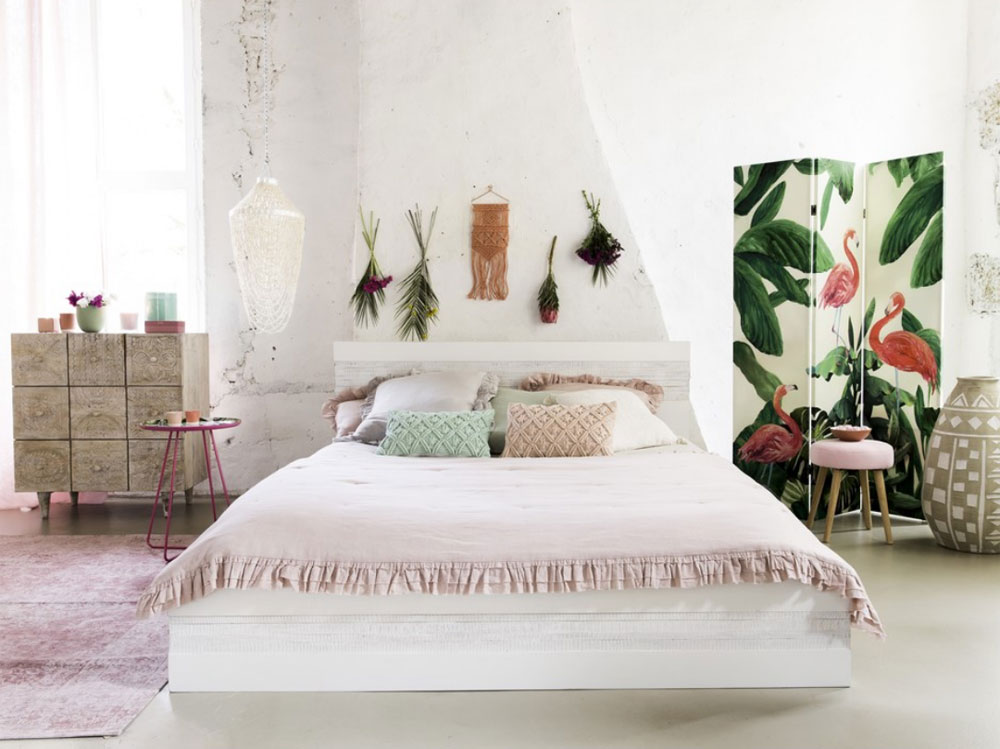 Screenshot-2018-3-7-Tavolino-da-divano-in-metallo-con-stampe-fenicottero-rosa-Maisons-du-Monde
