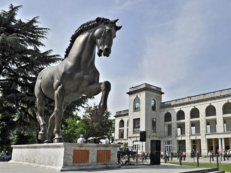 cavallo leonardo ippodromo milano