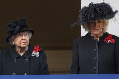 La Regina Elisabetta ha definito Camilla «una donna malvagia» (dopo aver bevuto dei Martini)