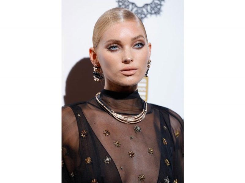 elsa-hosk-victoria-s-secret-modella-capelli-trucco-beauty-look-02