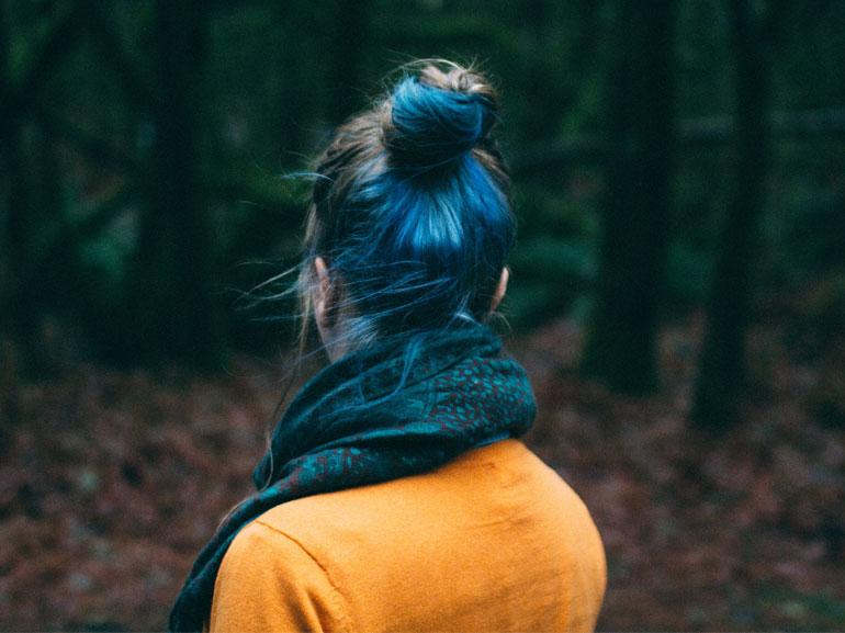 oceanic-brunette-hair-capelli-blu-e-castano-tendenza-2018-cover-mobile