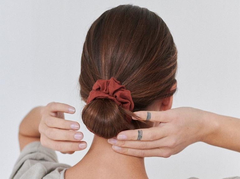 scrunchie-elastico-per-i-capelli-in-tessuto-cover-mobile