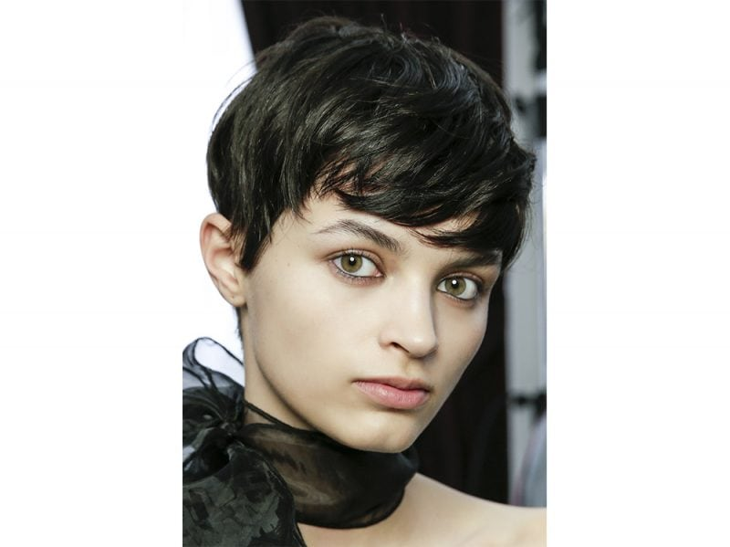 tendenze capelli con la frangia laterale primavera estate 2018 (2)
