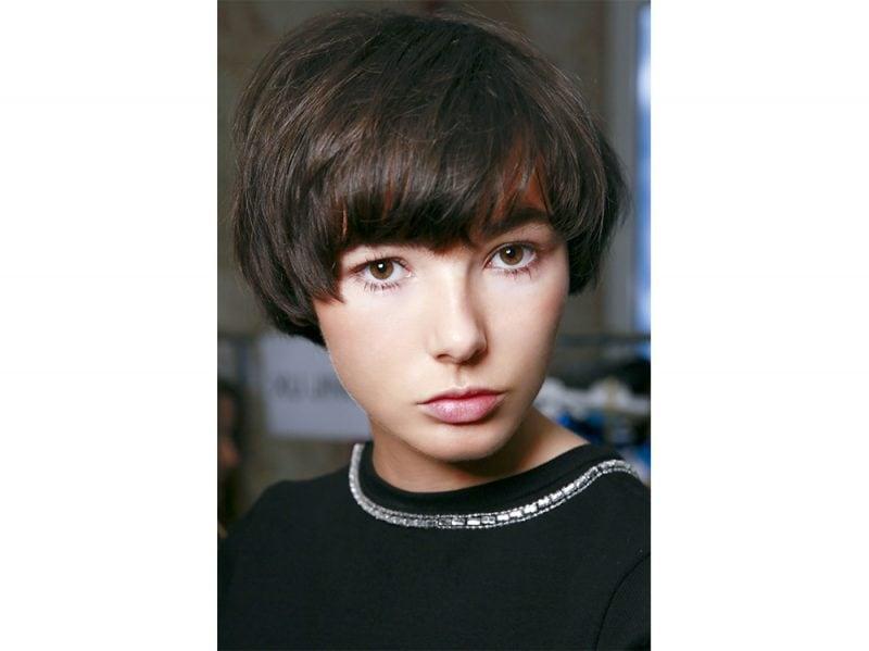 tendenze capelli con la frangia lunga primavera estate 2018 (8)