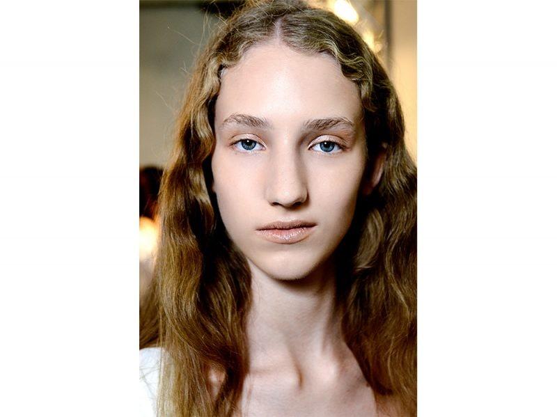 tendenze capelli mossi lunghi primavera estate 2018 (4)