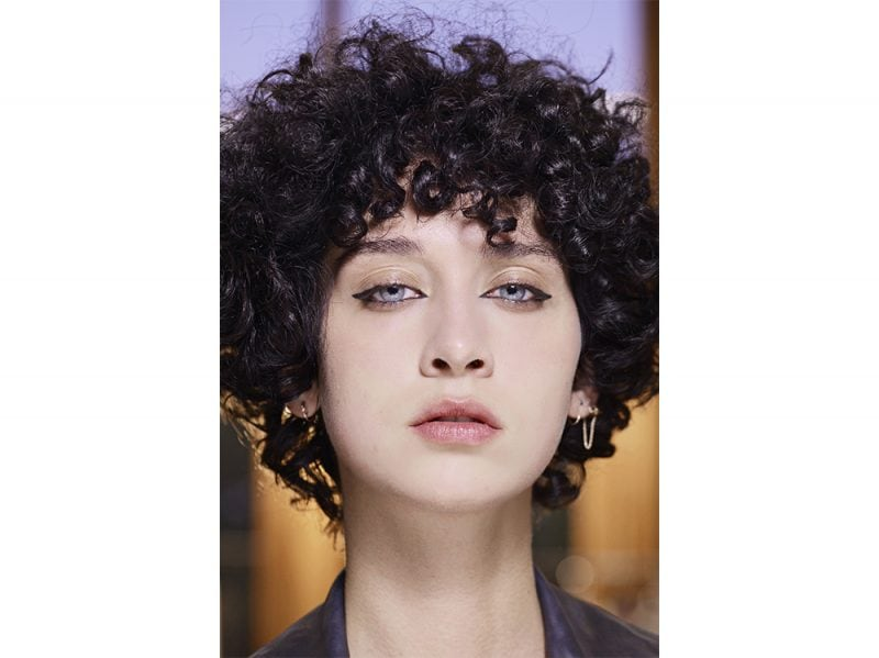 tendenze colore capelli primavera estate 2018 CAPELLI NERI (3)
