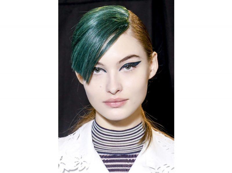 tendenze-colore-capelli-primavera-estate-2018-TINTE-POP-(7)