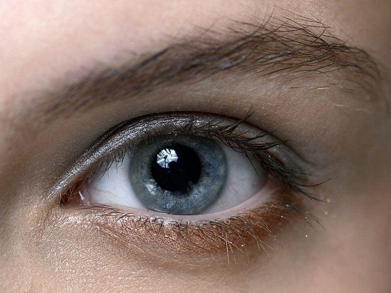 trucco-occhi-azzurri-01-