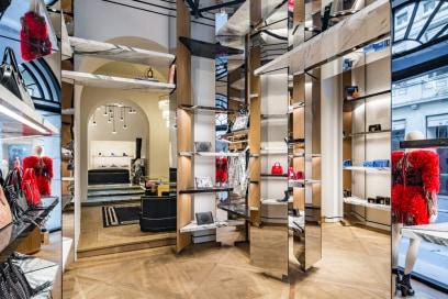 Balmain: taglio del nastro del primo flagship store italiano a Milano