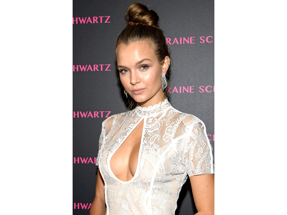 Josephine Skriver beauty look (20)