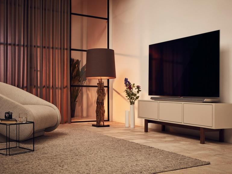Regole da seguire per posizionare correttamente il tv in salotto nuovo PHILIPS TV OLED 973
