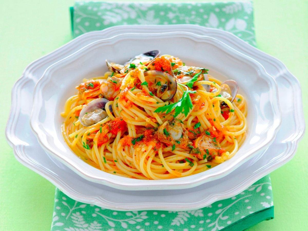 Spaghetti con sugo alle vongole