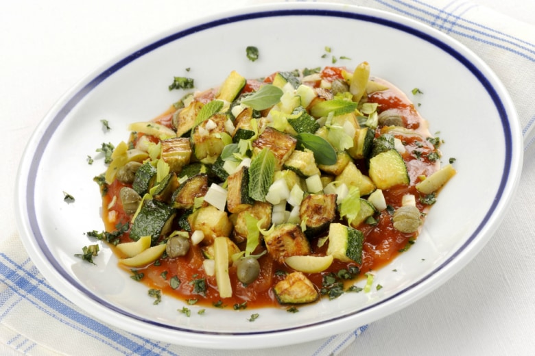 Zucchine al pomodoro in agrodolce