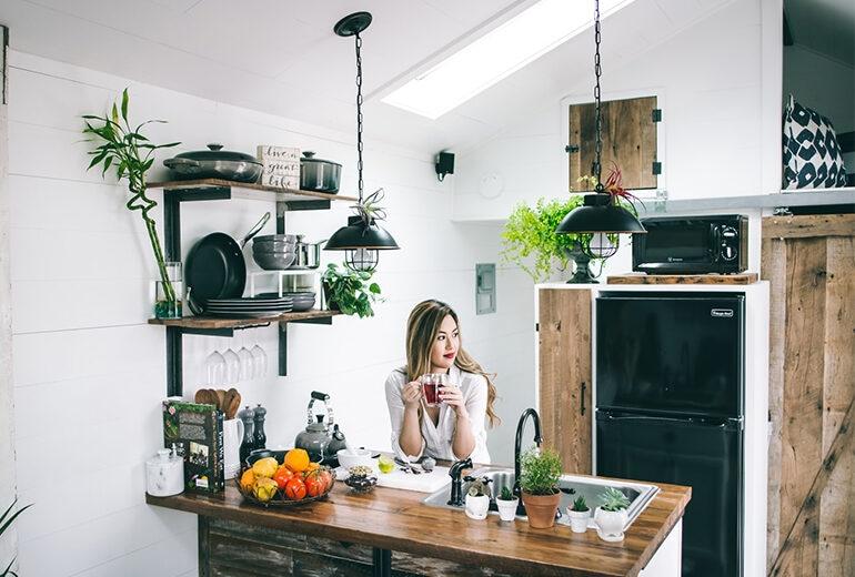 Come creare spazio in casa in più (dove non c'è) con 5 trucchi di arredo