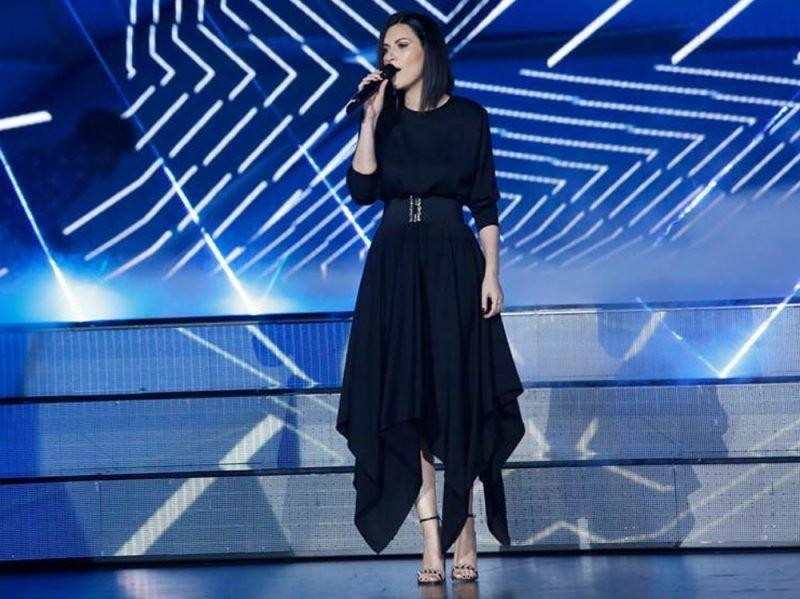 laura-pausini-in-Federica-Tosi–press-office