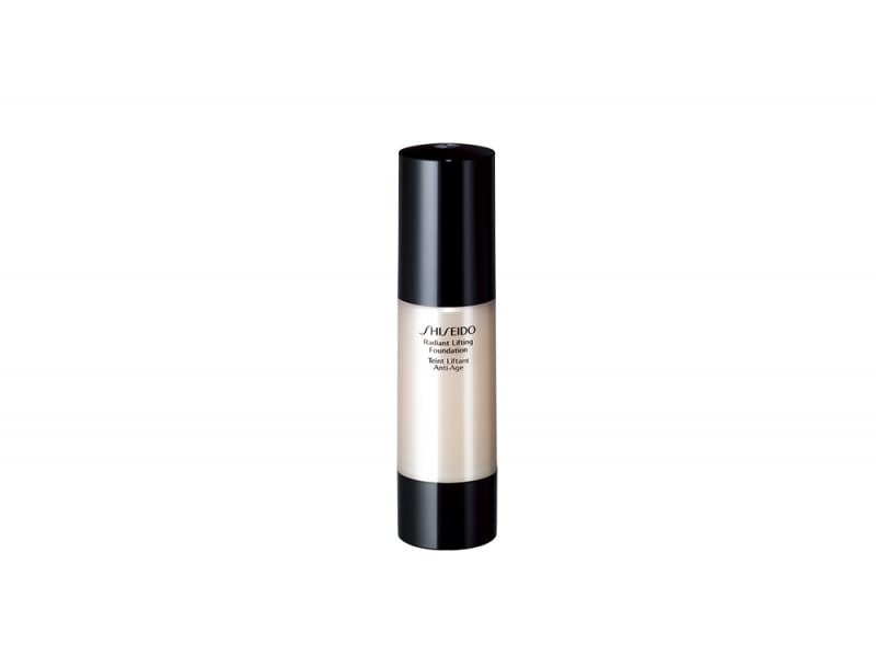 makeup-radiant-lifting-foundation