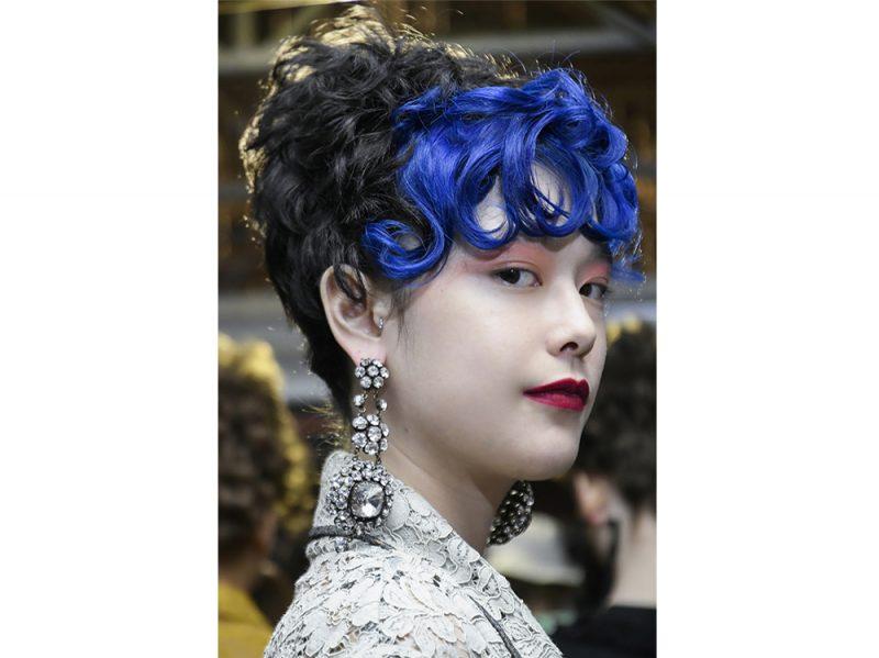 tendenze-colore-capelli-primavera-estate-2018-TINTE-POP-2