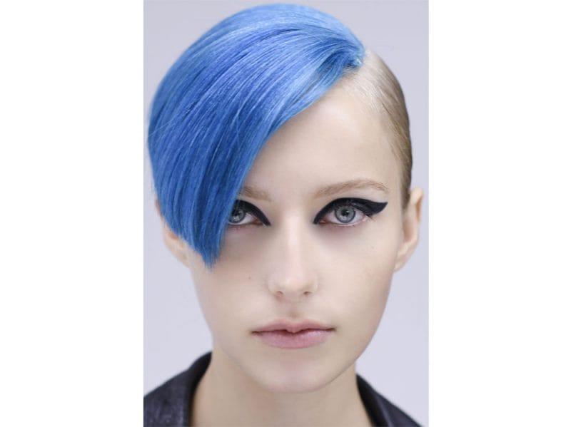 Colore capelli blu elettrico