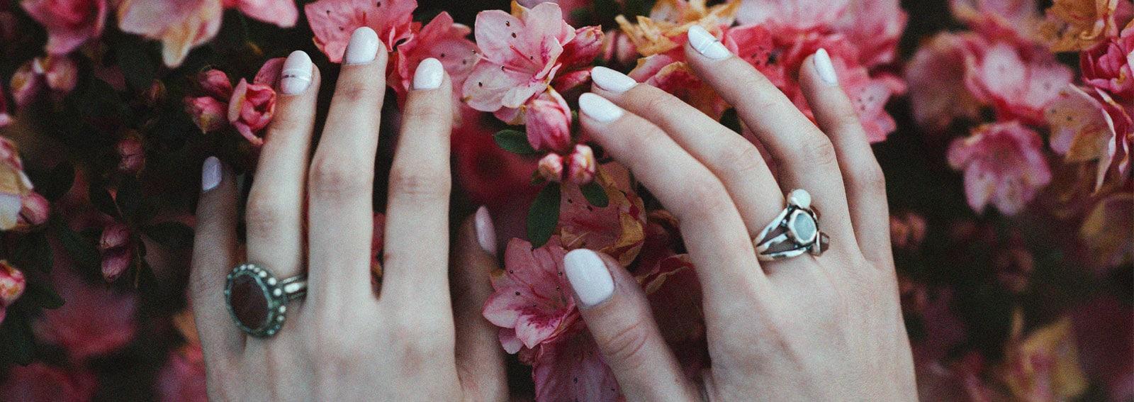 unghie-bianche-nail-art-manicure-COVER-DESKTOP-01