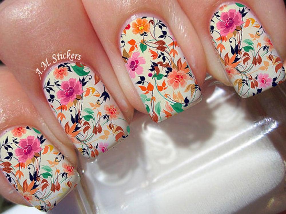 unghie-con-i-fuori-nail-art-manicure-01