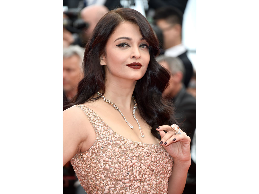 Aishwarya-Rai-Bachchan-beauty-look-06