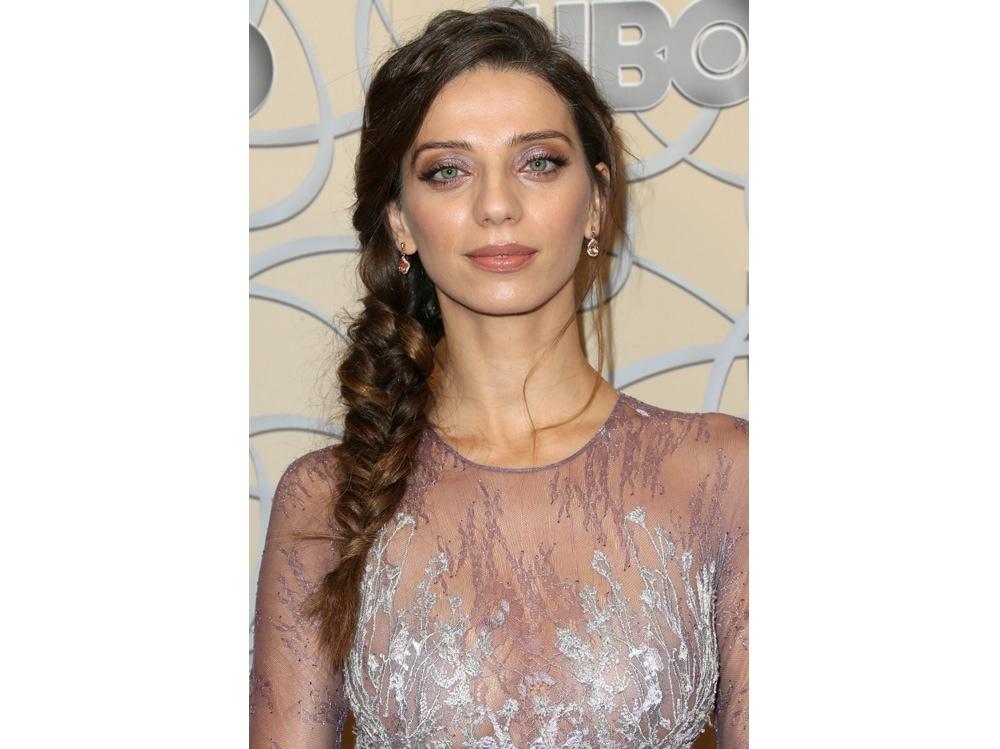 Angela Sarafyan beauty look (6)