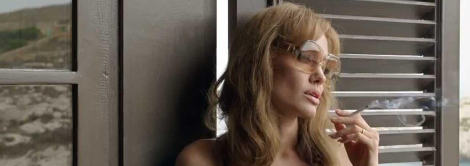 Angelina Jolie occhiali grandi
