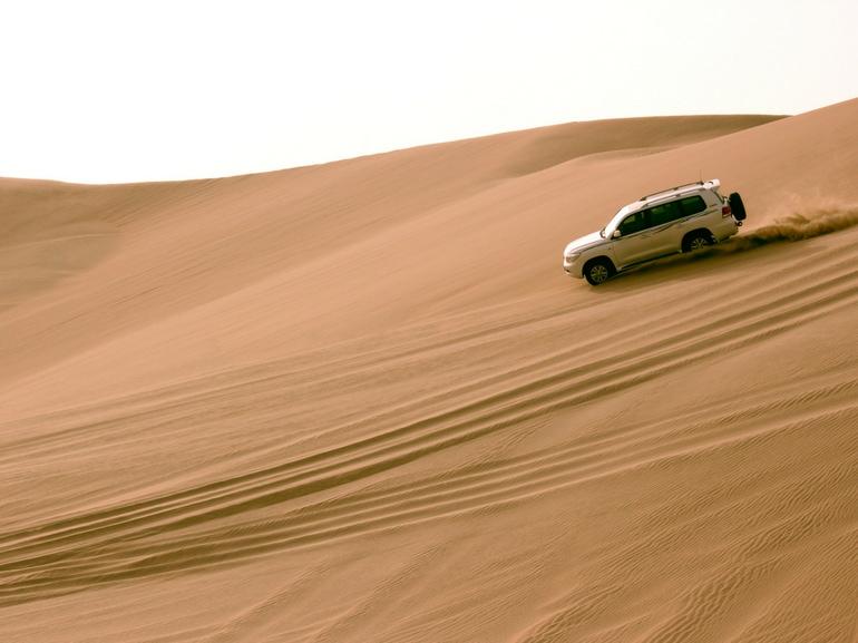 Arte cultura shopping avventura QATAR piccolo stato moderno e tradizione dune bashing