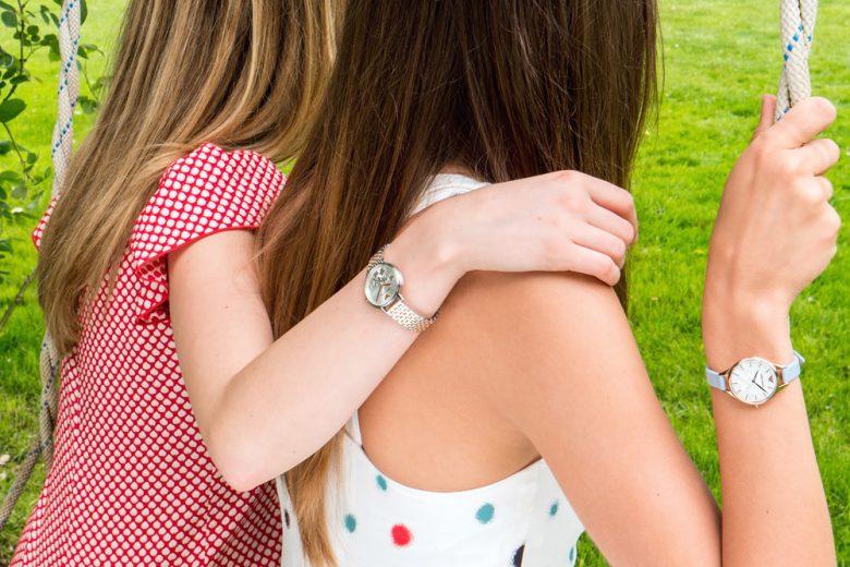Gli orologi Emporio Armani 2018 dedicati alla primavera (e al fascino delle ragazze di oggi)