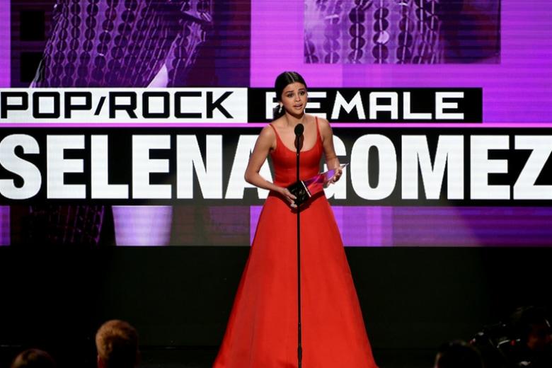 Tutto (ma proprio tutto) quello che c'è da sapere su Selena Gomez