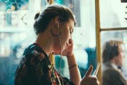 5 mosse per combattere la stanchezza da scrivania