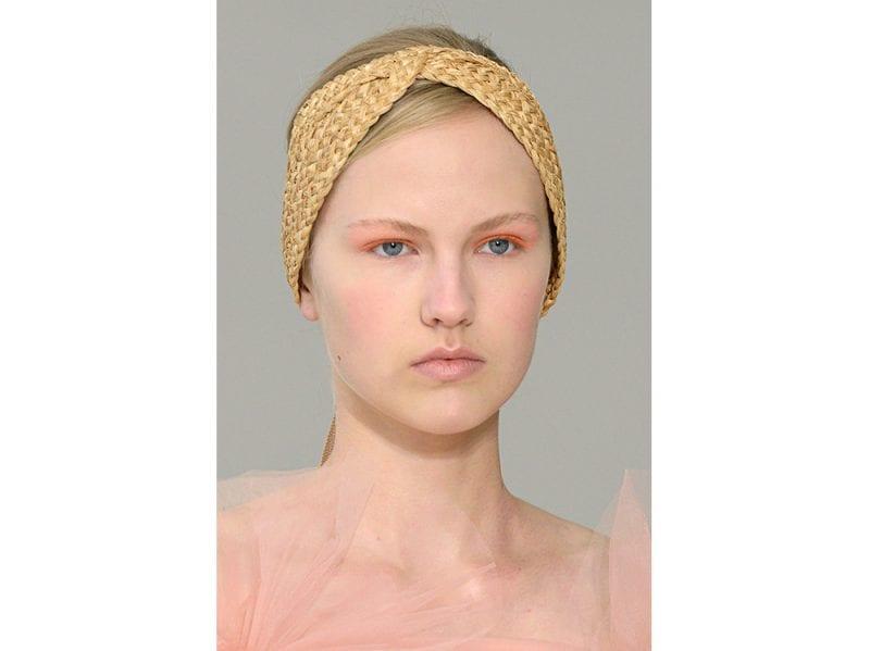 capelli-gli-accessori-estivi-per-impreziosire-la-chioma-Delpozo_clp_W_S18_NY_067_2797975
